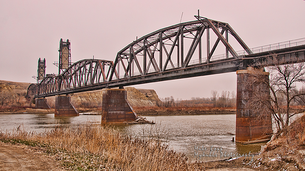 North Dakota's only lift bridge was retired from service before it ever lifted for a steamboat.