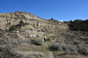 The Bennett Creek Trail the North Dakota Badlands toward China Wall.