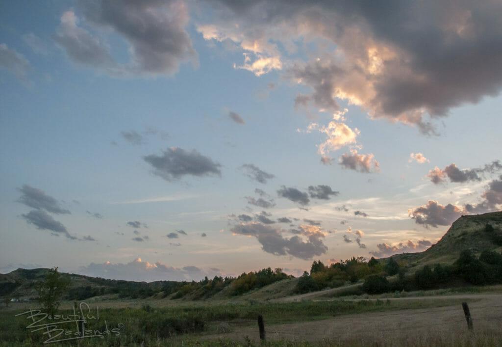 golden hour sunset clouds north dakota badlands