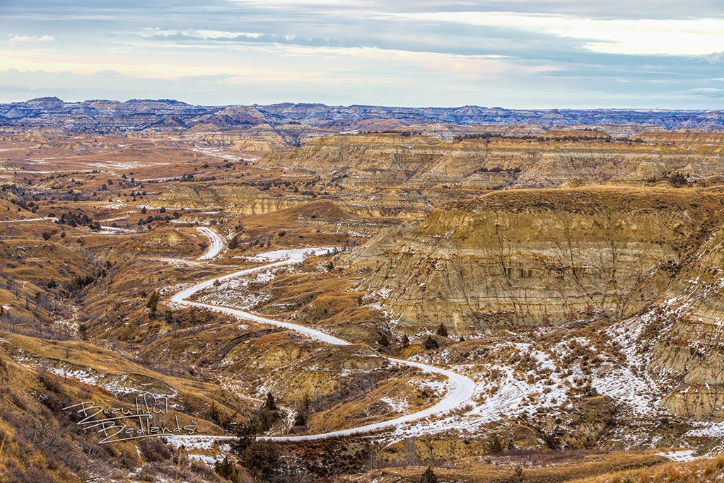 grand canyon of the Badlands snowy road
